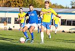 2015-11-01 / Voetbal / seizoen 2015-2016 / KSV Schriek - FC Mariekerke/ Murat Kocak (l.FC Mariekerke) met Hens Lothar Foto: Mpics.be