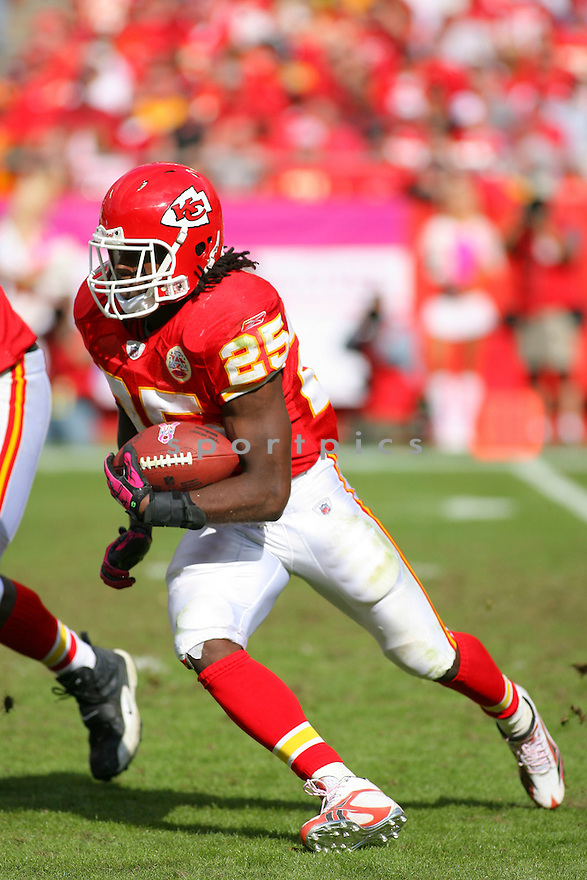 JAMAAL CHARLES, of the Kansas City Chiefs in action during the Chiefs game against the Jacksonville Jaguars on October 24, 2010 at Arrowhead Stadium in Kansas City, MO...Chiefs beat the Jaguars 42-20