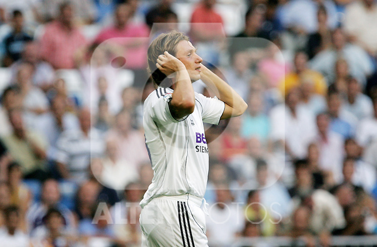 Real Madrid's Antonio Cassano during their Spanish La Liga match against Villareal at Santiago Bernabeu Stadium in Madrid, Sunday August 27 2006. (ALTERPHOTOS/Alvaro Hernandez).