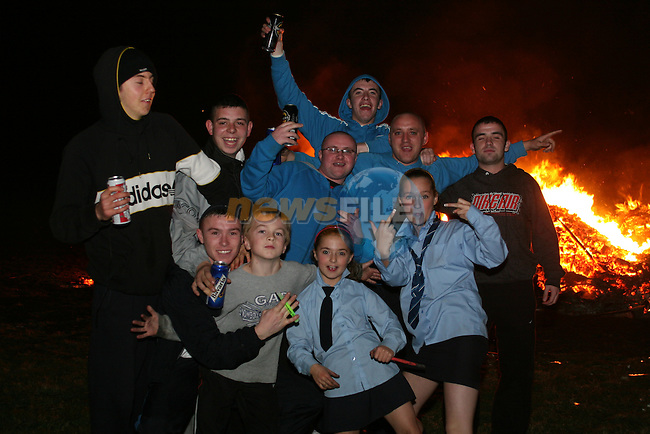 Moneymore Bonfire...Photo NEWSFILE/Jenny Matthews.(Photo credit should read Jenny Matthews/NEWSFILE)....This Picture has been sent you under the condtions enclosed by:.Newsfile Ltd..The Studio,.Millmount Abbey,.Drogheda,.Co Meath..Ireland..Tel: +353(0)41-9871240.Fax: +353(0)41-9871260.GSM: +353(0)86-2500958.email: pictures@newsfile.ie.www.newsfile.ie.FTP: 193.120.102.198.