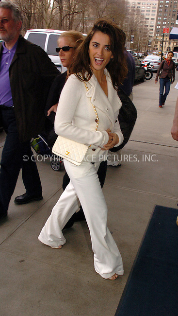 WWW.ACEPIXS.COM ** ** ** ....NEW YORK, MARCH 30, 2005....Penelope Cruz arrives at her midtown hotel on a beautiful spring day.....Please byline: Philip Vaughan -- ACE PICTURES... *** ***  ..Ace Pictures, Inc:  ..Craig Ashby (212) 243-8787..e-mail: picturedesk@acepixs.com..web: http://www.acepixs.com