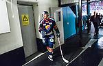 Stockholm 2014-03-27 Ishockey Kvalserien Djurg&aring;rdens IF - R&ouml;gle BK :  <br /> Djurg&aring;rdens Jens Jakobs &auml;r glad p&aring; v&auml;g ut till omkl&auml;dningsrummet efter matchen<br /> (Foto: Kenta J&ouml;nsson) Nyckelord:  DIF Djurg&aring;rden R&ouml;gle RBK Hovet glad gl&auml;dje lycka leende ler le portr&auml;tt portrait