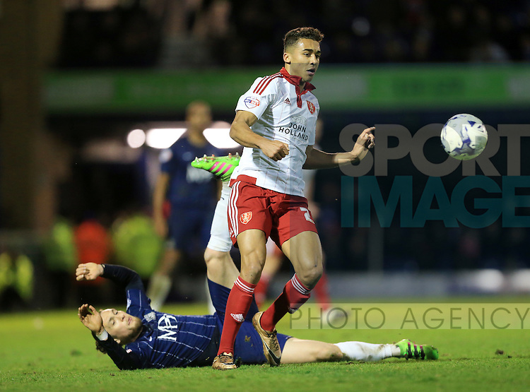 Southend's Ben Coker tussles with Sheffield United's Dom Calvert-Lewin during the League One match at Roots Hall Stadium.  Photo credit should read: David Klein/Sportimage