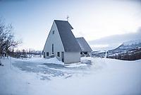 Eystein Kirche in Hjerkin.<br /> Die Kirche wurde 1969 am Olavsweg am Dovrefell erbaut und soll an den norwegischen Koenig Eystein Magnusson (1103 - 1123) erinnern.<br /> Der Olavsweg ist der bekannteste Pilgerweg in Skandinavien und wurde 2010 zum europaeischen Kulturweg erklaert.<br /> 16.1.2020, Hjerkin<br /> Copyright: Christian-Ditsch.de<br /> [NUR FUER REDAKTIONELLE ZWECKE! Werbung nur auf Anfrage beim Fotografen.Inhaltsveraendernde Manipulation des Fotos nur nach ausdruecklicher Genehmigung des Fotografen. Vereinbarungen ueber Abtretung von Persoenlichkeitsrechten/Model Release der abgebildeten Person/Personen liegen nicht vor. NO MODEL RELEASE! Don't publish without copyright Christian-Ditsch.de, Veroeffentlichung nur mit Fotografennennung, sowie gegen Honorar, MwSt. und Beleg. Konto: I N G - D i B a, IBAN DE58500105175400192269, BIC INGDDEFFXXX, Kontakt: post@christian-ditsch.de<br /> Bei der Bearbeitung der Dateiinformationen darf die Urheberkennzeichnung in den EXIF- und  IPTC-Daten nicht entfernt werden, diese sind in digitalen Medien nach §95c UrhG rechtlich geschuetzt. Der Urhebervermerk wird gemaess §13 UrhG verlangt.]