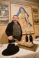 Europe/France/Rhône-Alpes/69/Rhône/Lyon:  Jean-Louis Gelin  dans son Bouchon: La Meunière, 11, rue Neuve (1er).