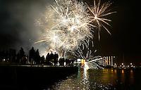 Vuurwerk boven de Zaan in Zaandam