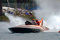 "Steve Compton & Rachel Savoie U-60 ""Miss Thriftway of Washington State""(replica of 1955 Allison powered Ted Jones hull)"