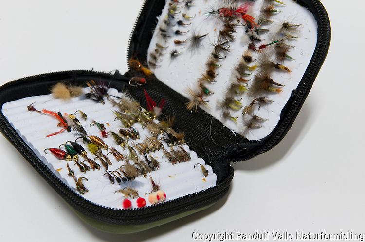 Flueboks ---- Fly box.