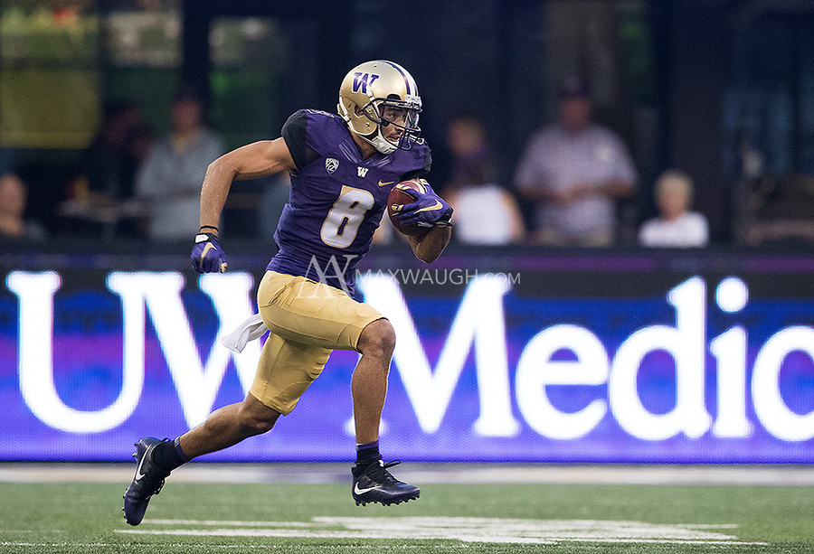 Dante Pettis en route to his record-tying 8th punt return touchdown.