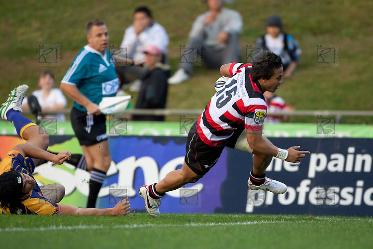 Tim Nanai Williams beats the tackle of Josh Tatupu to score the Steelers third try. ITM Cup Round 1 game between the Counties Manukau Steelers and Otago, played at Bayer Growers Stadium, Pukekohe, on Saturday July 31st 2010. Counties Manukau Steelers won 29 - 13 after leading 22 - 6 at halftime.