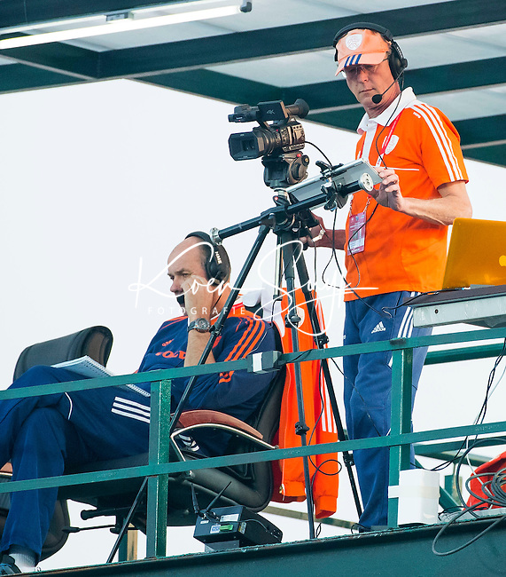 LUCKNOW (India) -   Junior World Cup hockey  U21 for men . AUSTRALIA bv NETHERLANDS  (QF)  Lars Gillhaus mad Hans Streeder on the tideotower.COPYRIGHT  KOEN SUYK