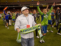 Drew Carey, Osvaldo Alonso. The Seattle Sounders defeated DC United, 2-1, to win the 2009 Lamr Hunt U.S. Open Cup at RFK Stadium in Washington, DC.