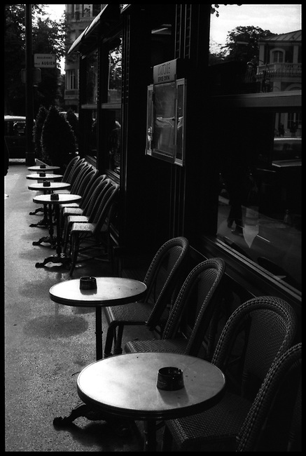 Terrasse de Café, Paris : Jean-Loup Sieff Echo