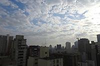 São Paulo (SP) 30/07/2019 - Manhã de sol entre nuvens, e temperatura na casa dos 17°, na região central de São Paulo, nesta terça-feira, 30. ( Foto Charles Sholl/Brazil Photo Press)