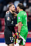 Goalkeeper Jan Oblak of Atletico de Madrid speaks to goalkeeper Gorka Iraizoz Moreno of Girona FC after the La Liga 2017-18 match between Atletico de Madrid and Girona FC at Wanda Metropolitano on 20 January 2018 in Madrid, Spain. Photo by Diego Gonzalez / Power Sport Images