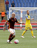 Calcio, Serie A: Roma vs ChievoVerona. Roma, stadio Olimpico, 8 maggio 2016.<br /> Roma's Radja Nainggolan in action during the Italian Serie A football match between Roma and ChievoVerona at Rome's Olympic stadium, 8 May 2016.<br /> UPDATE IMAGES PRESS/Isabella Bonotto