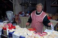 Europe/Pologne/Varsovie: Le marché de la halle Mirowska - Crémière
