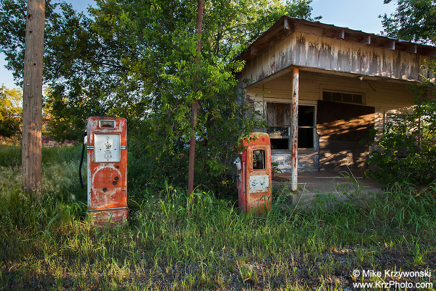 Abandoned Gas Station, Gilliland, TX