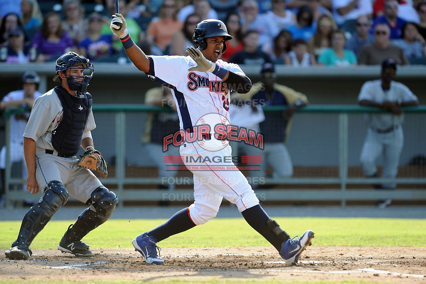 Tennessee Smokies right fielder Nelson Perez #29 swings at a pitch during a game against the Huntsville Stars at Smokies Park on August 12, 2012 in Kodak, Tennessee. The Smokies defeated the Stars 4-0. (Tony Farlow/Four Seam Images).