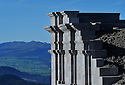 27/09/14 - SOMMET DU PUY DE DOME - PUY DE DOME - FRANCE - Travaux sur le Temple de Mercure - Photo Jerome CHABANNE