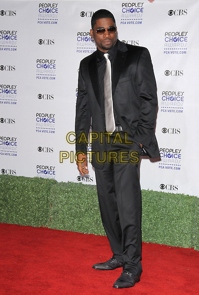 DAVID BANNER .Arrivals at the 35th Annual People's Choice Awards held at The Shrine Auditorium in Los Angeles, California, USA..January 7th, 2009.full length suit hand in pocket black sunglasses shades silver grey gray tie .CAP/DVS.©Debbie VanStory/Capital Pictures.