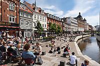 Denmark, Jutland, Aarhus: Cafés and restaurants along Åboulevarden | Daenemark, Juetland, Aarhus: Cafés and Restaurants am Åboulevarden
