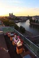 Nicolas Geant, beehive, urban beekeeper, Paris, honey, Tour d'argent restaurant, Notre dame,