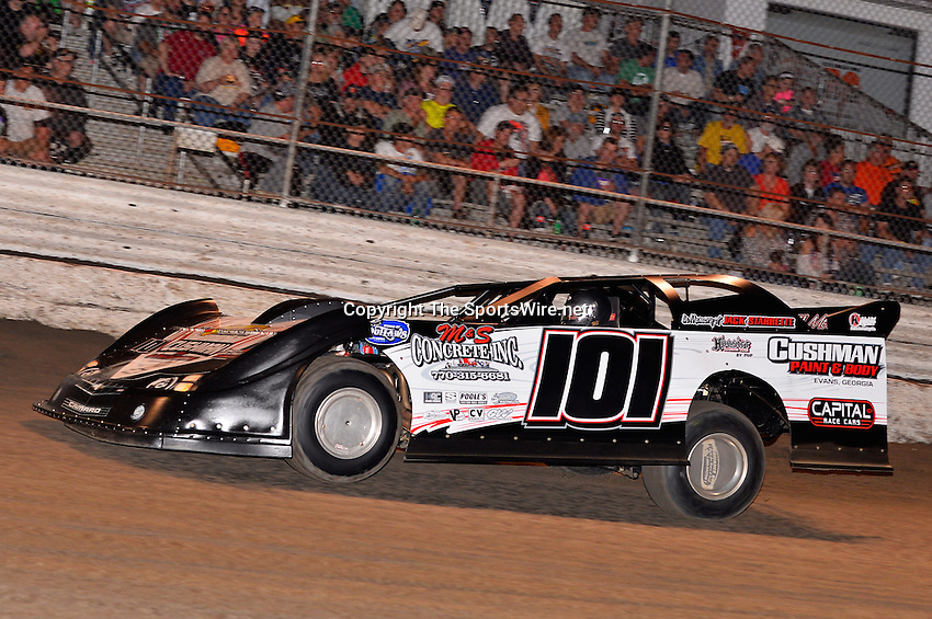 Feb 20, 2014; 6:56:43 PM;  Barberville, FL, USA;  World of Outlaws Late Model Series for 43rd Annual DIRTcar Nationals presented by Summit Racing Equipment at Volusia Speedway Park.  Mandatory Credit: (thesportswire.net)