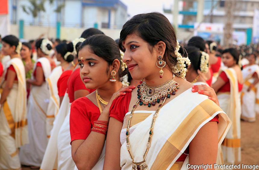 09 Nov 2012 - Mumbai : <br /> Women perform kaikottikali  at Mumbai,India<br /> <br /> (Subhash Sharma for The Guiness Book of World Records)
