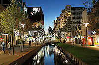 Nederland Zaandam 2015.  Het vernieuwde centrum van Zaandam. De Gedempte Gracht is in 2014 weer uitgegraven. Foto Berlinda van Dam / Hollandse Hoogte
