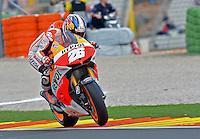 El piloto de Honda Dani Pedrosa durante la carrera de Moto GP en Cheste (Valencia) en el Circuito Ricardo Tormo, Domingo 10 de Noviembre 2013