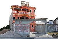 Arquitectura Libre / Free Architecture. Between Navenchauc and Chiapa de Corzo, Chiapas, Mexico