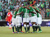 MEDELLÍN -COLOMBIA, 14-07-2013. Atlético Nacional .Primer partido de la final de la Liga Postobón  entre Atlético Nacional e Independiente Santa Fe , jugado en lel estadio Atanasio Girardot de la ciudad de Medellín . / Team formation Independiente Santa Fe vs Atletico Nacional. First party Postobón League final between Atletico Nacional and Independiente Santa Fe, lel played at Atanasio Girardot stadium in Medellin<br /> . Photo: VizzorImage/ Felipe Caicedo/ STAFF -.