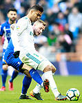 Real Madrid's Carlos Henrique Casemiro (r) and Deportivo Alaves' John Guidetti during La Liga match. February 24,2018. (ALTERPHOTOS/Acero)