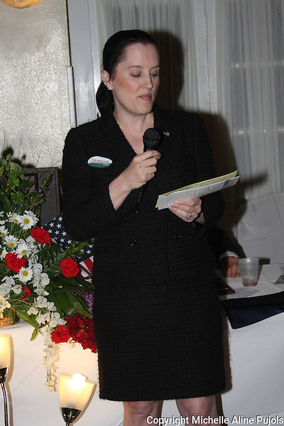 Monique Lafontaine speaking at the Crimefighters banquet.