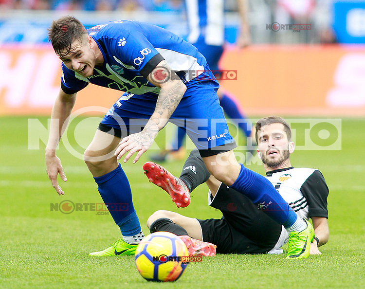 Deportivo Alaves' Carlos Vigaray (l) and Valencia CF's Jose Luis Gaya during La Liga match. October 28,2017. (ALTERPHOTOS/Acero) /NortePhoto.com