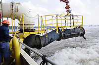 {8/24/12} {10pmCST} -JOB # 42286- Greenville , MS, U.S.A. -- Historically low river levels on the Mississippi River are causing havoc on river traffic: grounding barges loaded with grain and fertilizer, traffic jams several miles long and forcing the Coast Guard to close down chunks of the river due to groundings. The area around Greenville, Miss., has closed three times the past week due to groundings. Last year, there were five total groundings the entire low-water season. Locals who fought historic high-water floods last year are this year engaged in a different fight: keeping barges afloat on a vanishing Mississippi.  -- Photo by Suzi Altman, Freelance.