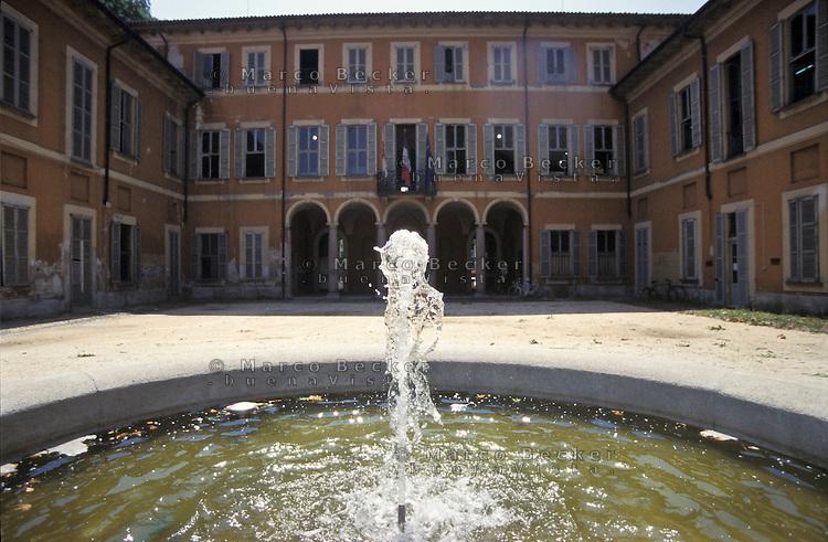 Milano, periferia nord, quartiere Affori. Villa Litta Modignani, al parco Villa Litta --- Milan, Affori district, north periphery. Villa Litta Modignani at the park Villa Litta