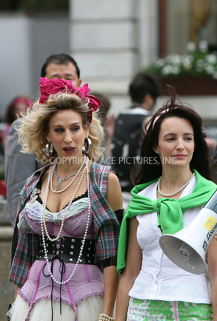 WWW.ACEPIXS.COM . . . . .  ....September 9 2009, New York City....Actresses Sarah Jessica Parker and Kristin Davis on the set of the new 'Sex and the City' movie on September 9 2009 in New York City....Please byline: AJ Sokalner - ACEPIXS.COM..... *** ***..Ace Pictures, Inc:  ..tel: (212) 243 8787..e-mail: info@acepixs.com..web: http://www.acepixs.com