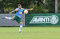 SAO PAULO, 29 DE MARCO DE 2013 - TREINO PALMEIRAS - O jogador Weldinho durante treino do Palmeiras, no CT da Barra Funda, região oeste da capital, na manha desta sexta feira, 29. (FOTO: ALEXANDRE MOREIRA / BRAZIL PHOTO PRESS)