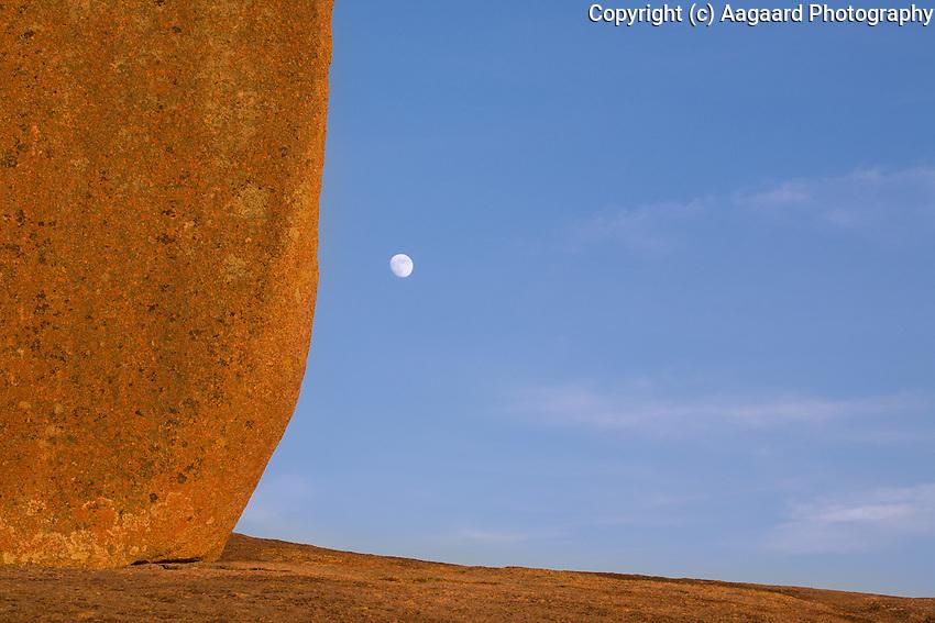 Enchanted Rock moonrise.<br /> <br /> Canon EOS 5D, 70-200 f/2.8L lens