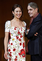 L'attrice e modella francese di origine ucraina Olga Kurylenko e l'attore inglese Jeremy Irons posano durante un photocall per la presentazione del 'La corrispondenza' a Roma, 11 gennaio 2016.<br /> Ukrainian-born French actress and model Olga Kurylenko and British actor Jeremy Irons pose during a photocall for the presentation of the movie 'La corrispondenza' ('Correspondence') in Rome, 11 January 2016.<br /> UPDATE IMAGES PRESS/Isabella Bonotto