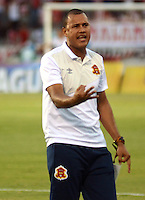 BARRANQUILLA  -COLOMBIA, 4-MARZO-2015. Roberto Penaloza   asistente tecnico  del Barranquilla FC    durante partido contra el Atletico Junior  partido por la fecha 2 de la Copa   çguila I 2015 jugado en el estadio Metropolitano  de la ciudad de Barranquilla./ Roberto Penaloza coach assistant   of Barranquilla FC  against  Atletico Junior  during the match for the second  date of the Liga  Aguila  I 2015 played at Metropolitano  stadium in Barranquilla city<br />  . Photo / VizzorImage / Alfonso Cervantes / Stringer