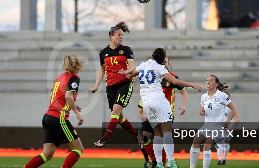 20160412 - LEUVEN ,  BELGIUM : Belgian Lenie Onzia (14) pictured with the heading during the female soccer game between the Belgian Red Flames and Estonia , the fifth game in the qualification for the European Championship in The Netherlands 2017  , Tuesday 12 th April 2016 at Stadion Den Dreef  in Leuven , Belgium. PHOTO SPORTPIX.BE / DAVID CATRY
