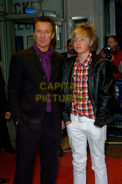 """MARTIN KEMP & his son.""""Sleuth"""" European film premiere.Odeon West End cinema, Leicester Square, London, England.18th November 2007.full length white jeans black suit purple shirt leather jacket.CAP/CAN.©Can Nguyen/Capital Pictures"""