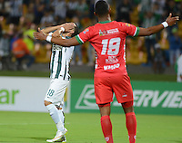 MEDELLÍN -COLOMBIA-26-02-2015. Alejandro Guerra (Izq) jugador de Atlético Nacional lamenta fallar un gol en contra de Patriotas FC durante partido por la fecha 6 de la Liga Aguila I 2015 jugado en el estadio Atanasio Girardot de la ciudad de Medellín./ Alejandro Guerra (L) player of Atletico Nacional  laments to fail a goal against Patriotas FC during the match for the  6th date of the Aguila League I 2015 at Atanasio Girardot stadium in Medellin city. Photo: VizzorImage/León Monsalve/STR