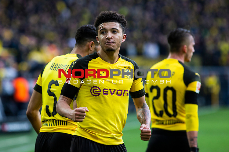 09.02.2019, Signal Iduna Park, Dortmund, GER, 1.FBL, Borussia Dortmund vs TSG 1899 Hoffenheim, DFL REGULATIONS PROHIBIT ANY USE OF PHOTOGRAPHS AS IMAGE SEQUENCES AND/OR QUASI-VIDEO<br /> <br /> im Bild | picture shows:<br /> Jadon Sancho (Borussia Dortmund #7) jubelt &uuml;ber sein Tor zum 1:0, <br /> <br /> Foto &copy; nordphoto / Rauch
