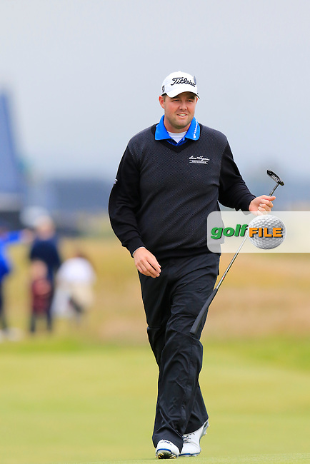 Marc Leishman (USA) on the 17th green during Monday's Final Round of the 144th Open Championship, St Andrews Old Course, St Andrews, Fife, Scotland. 20/07/2015.<br /> Picture Eoin Clarke, www.golffile.ie
