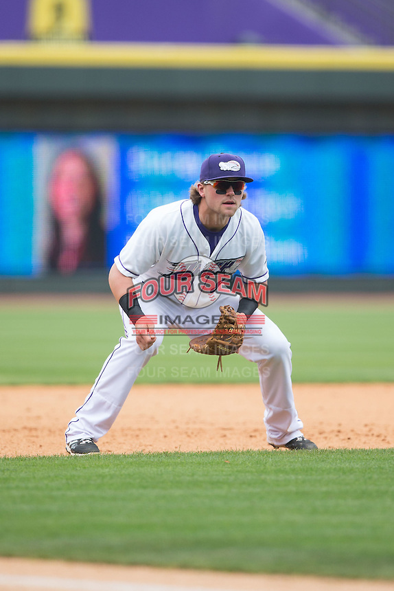 Winston-Salem Dash third baseman Trey Michalczewski (8) on defense against the Myrtle Beach Pelicans at BB&T Ballpark on May 10, 2015 in Winston-Salem, North Carolina.  The Pelicans defeated the Dash 4-3.  (Brian Westerholt/Four Seam Images)