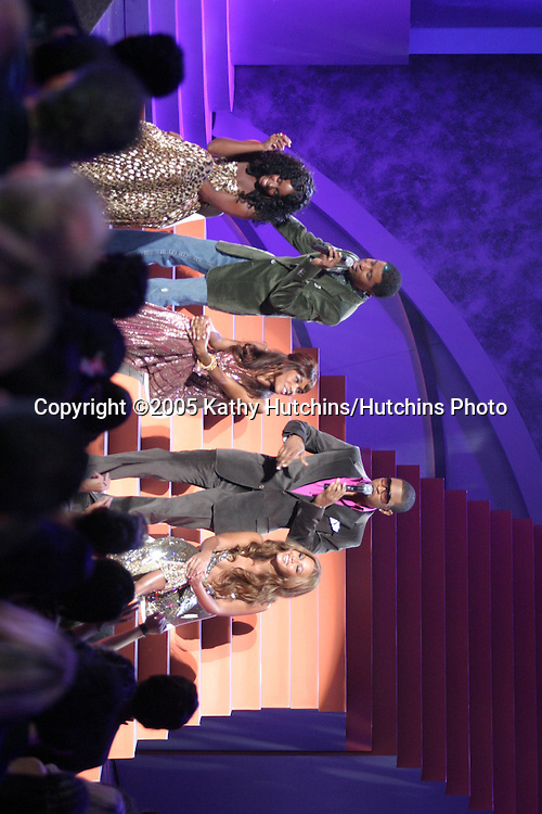 Usher and Babyface (Kenny Edmonds)  performing a tribute to Destiny's Child at the .World Music Awards.Kodak Theater.Los Angeles, CA.August  31, 2005.©2005 Kathy Hutchins / Hutchins Photo